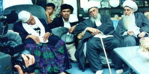 Kunjungan Syeikh Nazim Haqqani ke Suryalaya menemui Abah Anom, tahun 2001