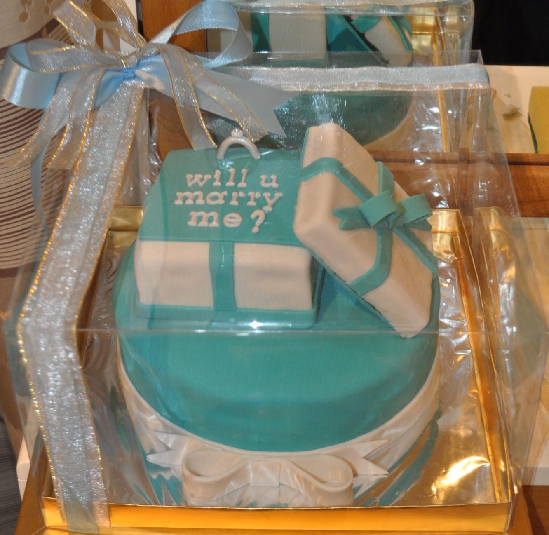 Momatoye Proposal Cake Mami Raka