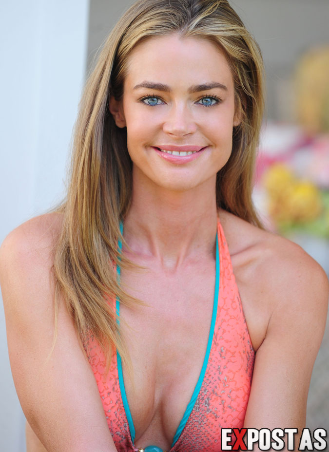 Denise Richards: Albert Michael bikini photoshoot em Los Angeles - 21 de Agosto de 2012