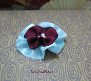 Bros Bunga Satin (Fabric Flower Brooch)