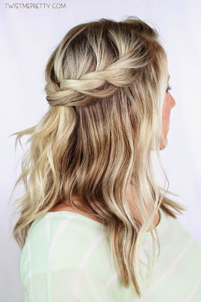 goddesses' hairstyle crown twist