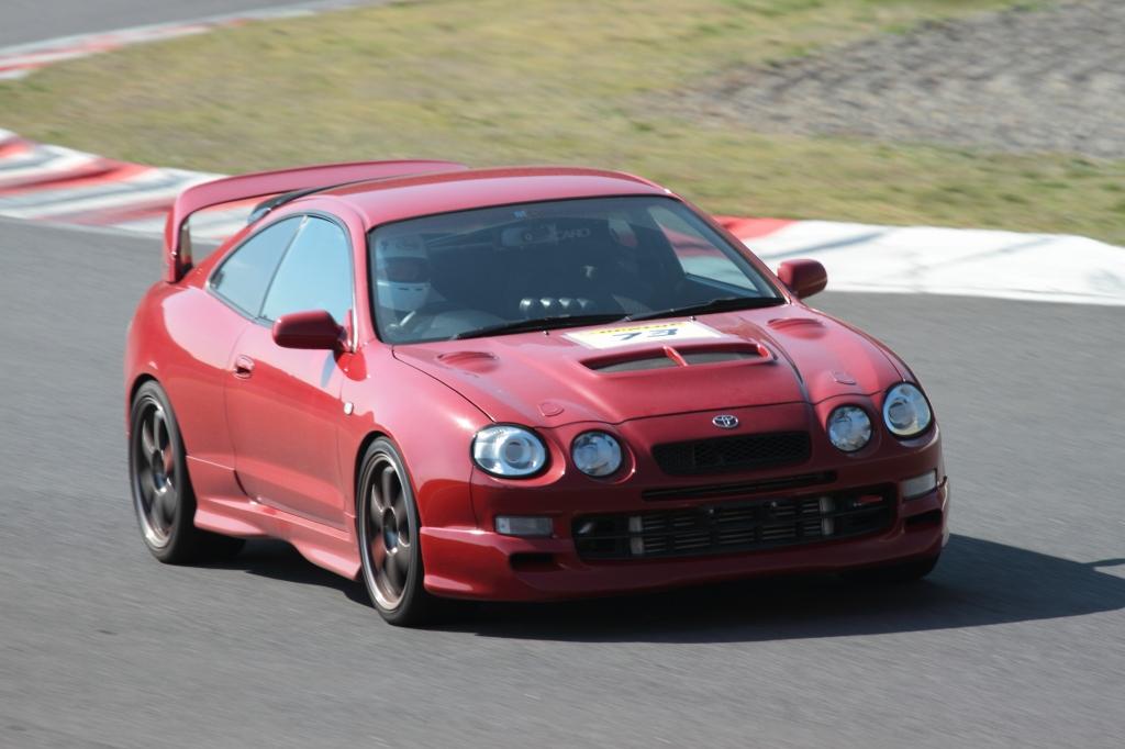 Toyota Celica GT-Four ST205, kultowy samochód, sportowe, z napędem na cztery koła, silnik turbo, ciekawe samochody z lat 90, tuning, wyścigi, czerwona