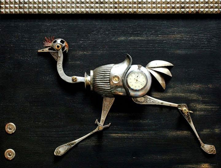 12-Ostrich-Runner-Arturas-Tamasauskas-Recycled-and-Upcycled-Steampunk-Sculptures-www-designstack-co