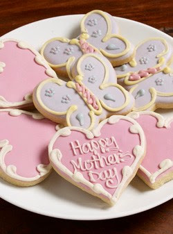 "Give mom these organic ""Love You Mom"" cookies and maybe she will share"