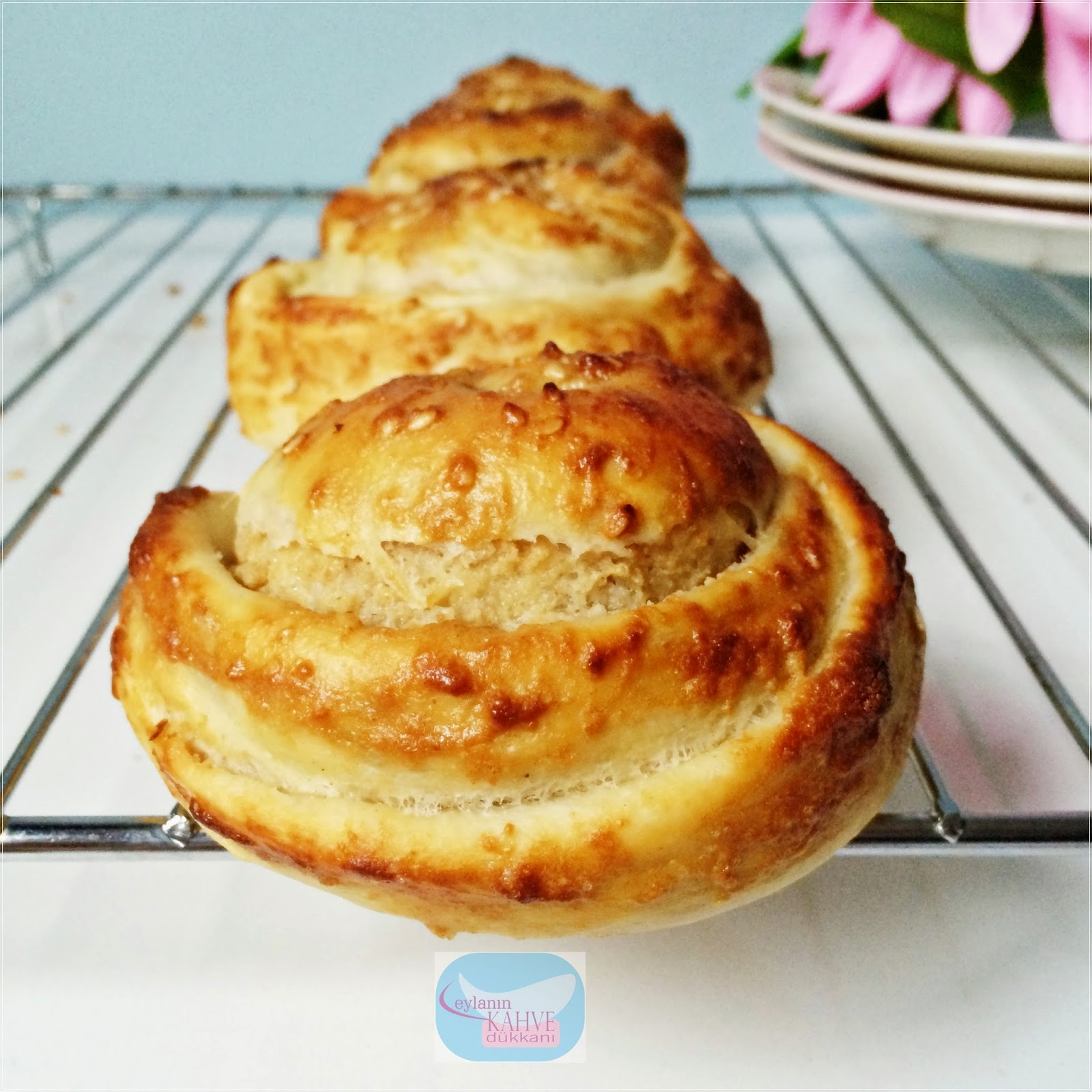 Pastane Usulü Tahinli Çörek