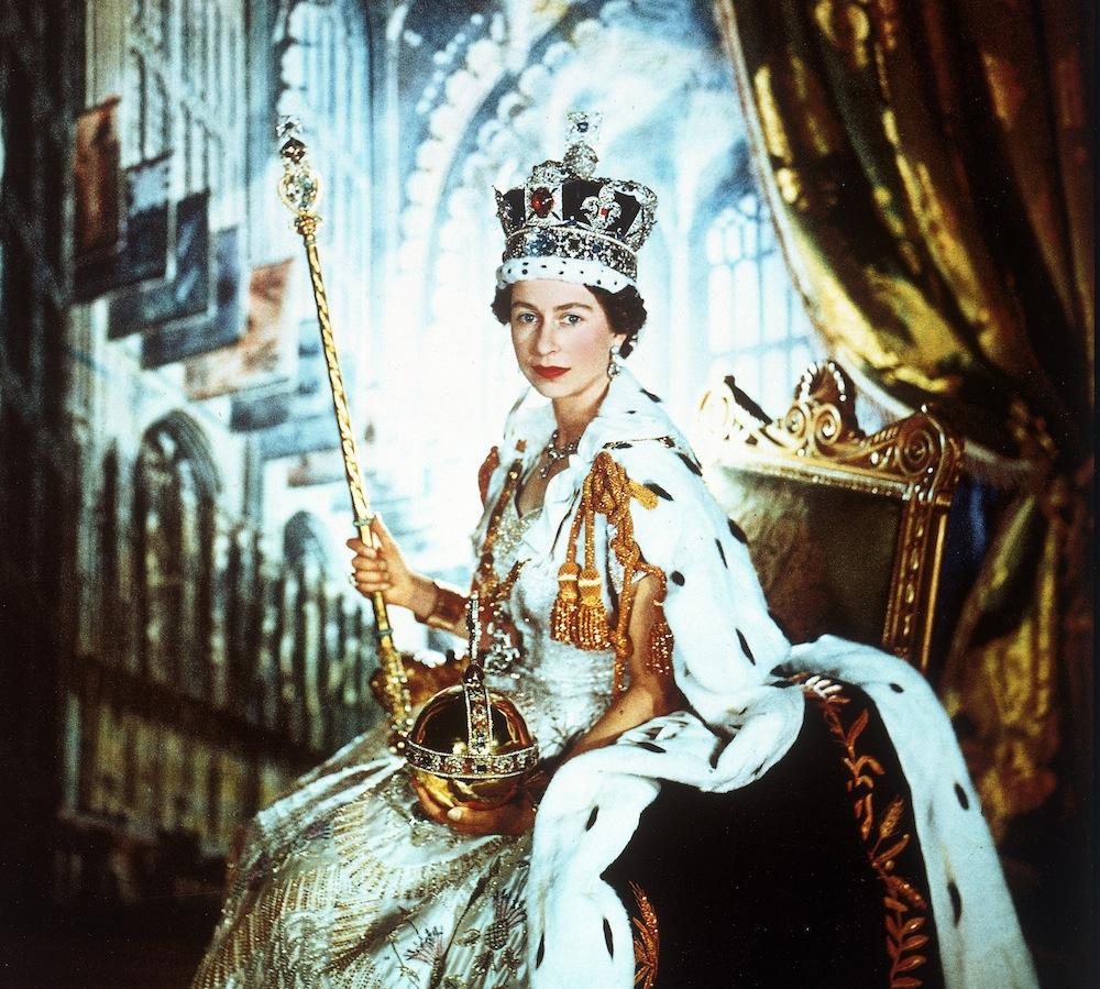 Жизнь королевы Великобритании Елизаветы II в 17 банкнотах