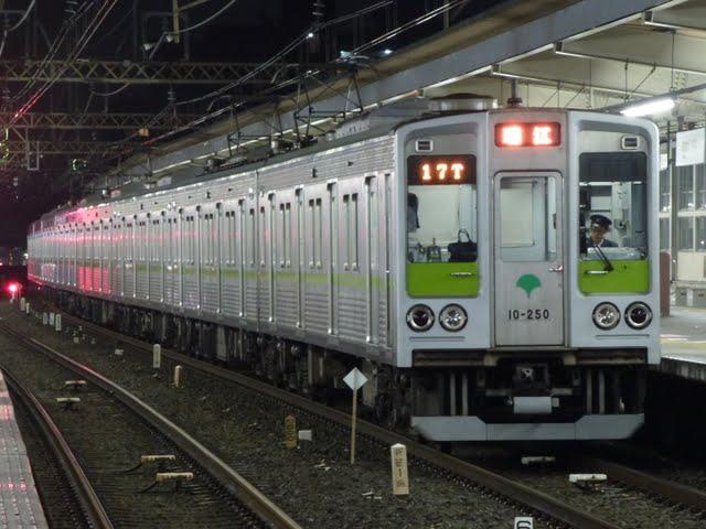 都営新宿線 各停 瑞江行き3 10-000形250F(終電運行)