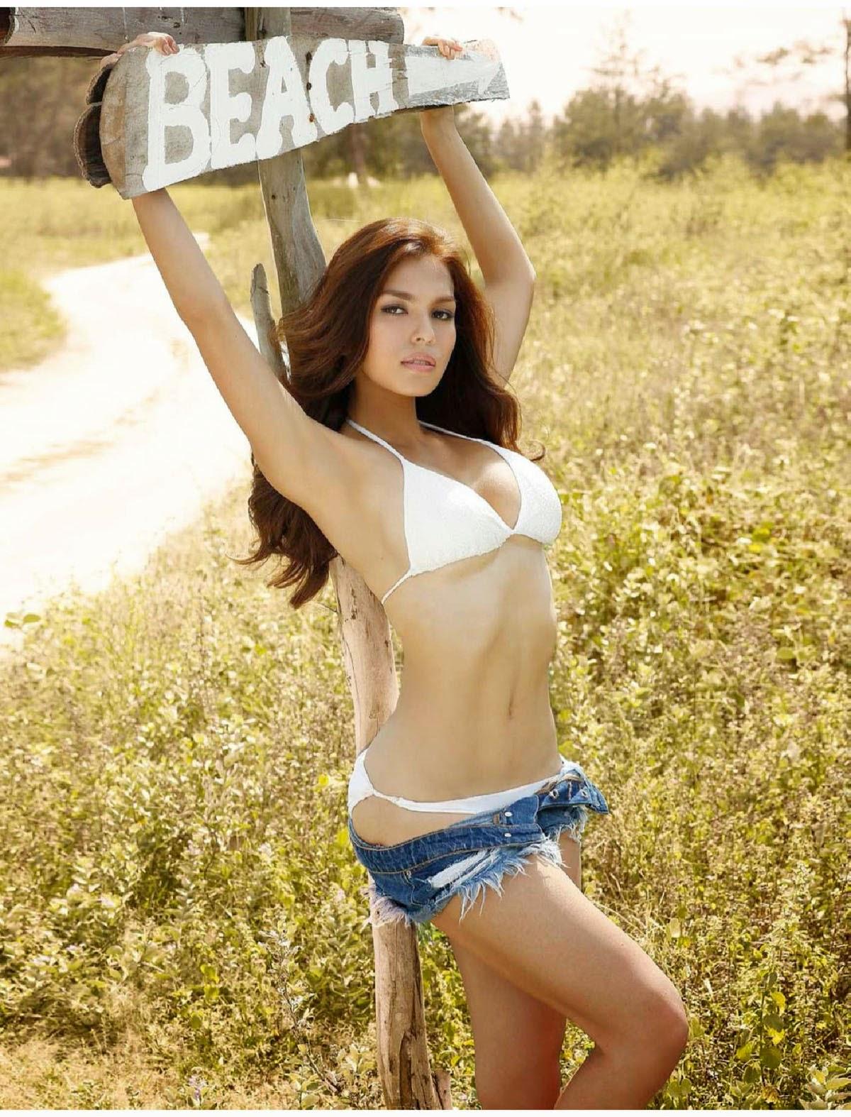 andrea torres hot bikini pics 01