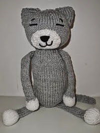 http://www.ravelry.com/patterns/library/amineko-knit-cat