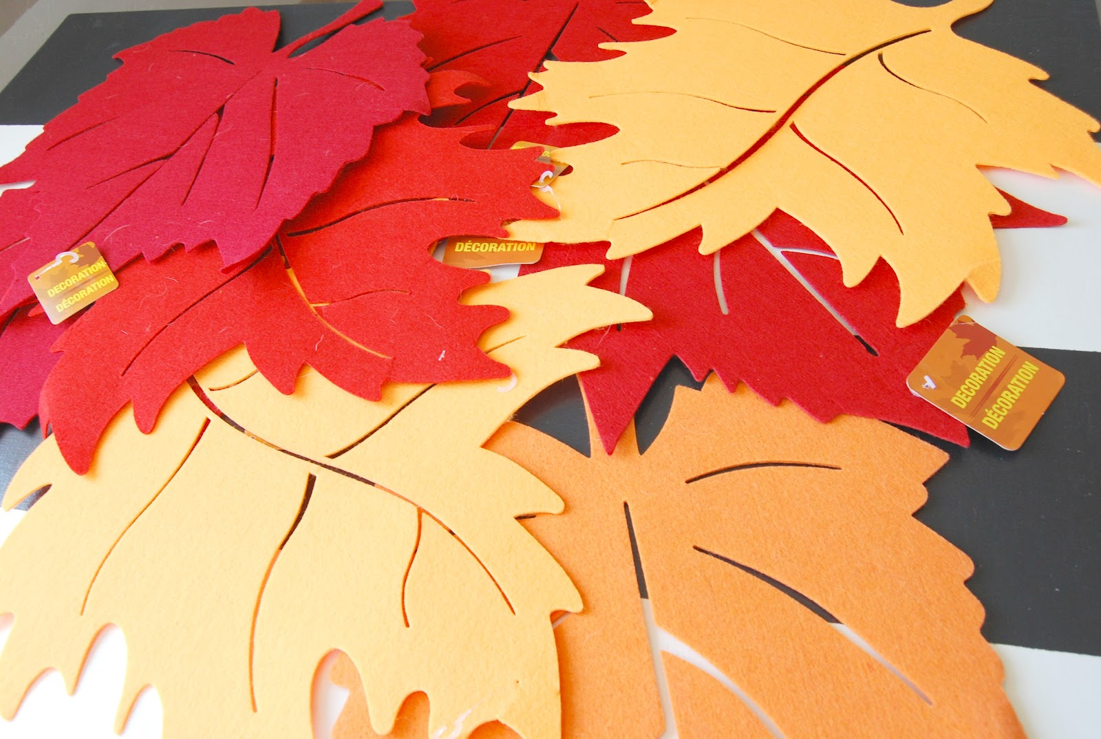 Top 28 fall leaves decorations 28 diy fall inspired for Autumn leaf decoration
