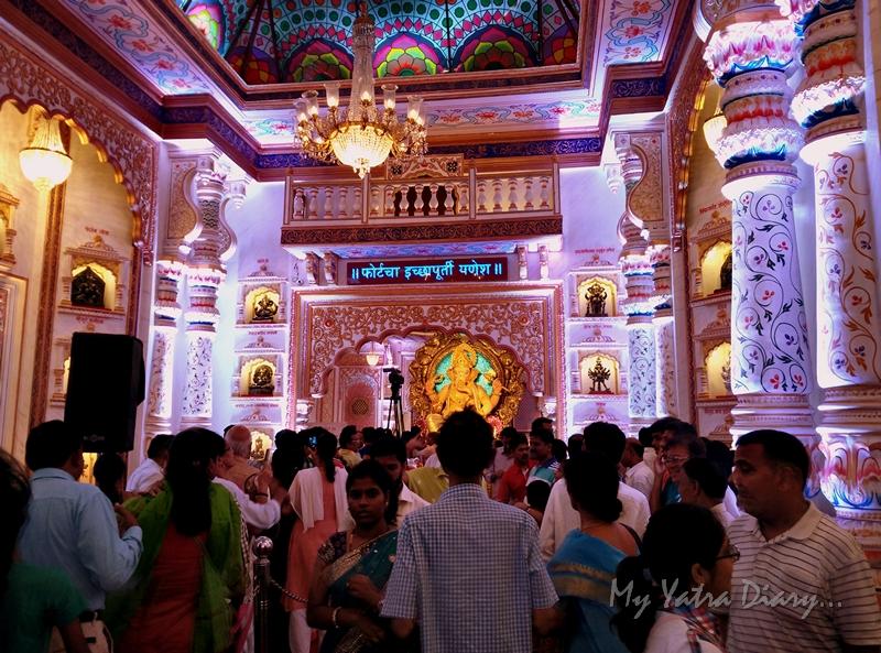 Crowds at Fortcha Icchapurti Ganesha, Ganesh Pandal Hopping, Mumbai