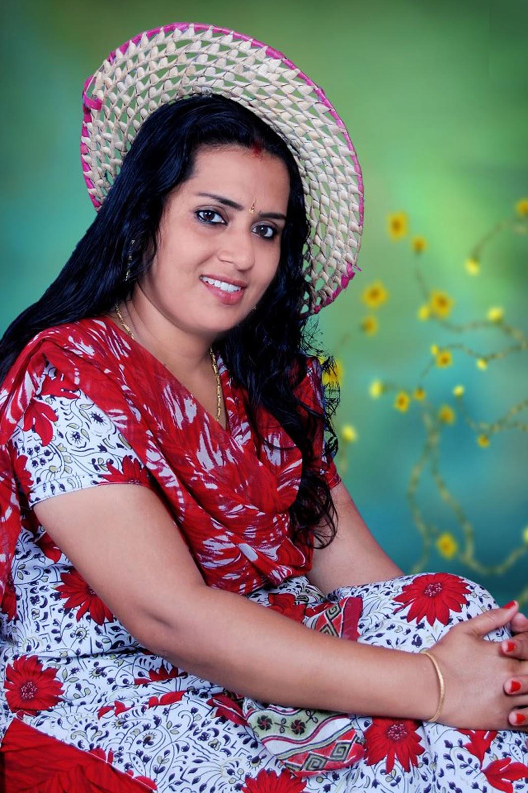 Mallu Actress Hot Photos: Mallu Malayalam Actress