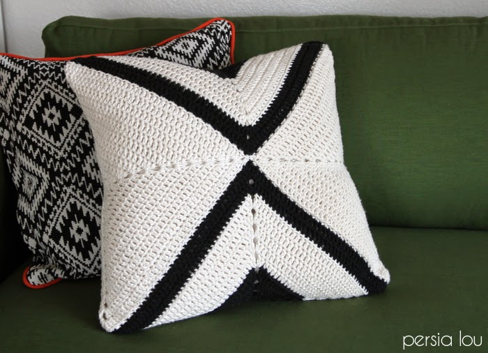 free crochet pattern x pillow