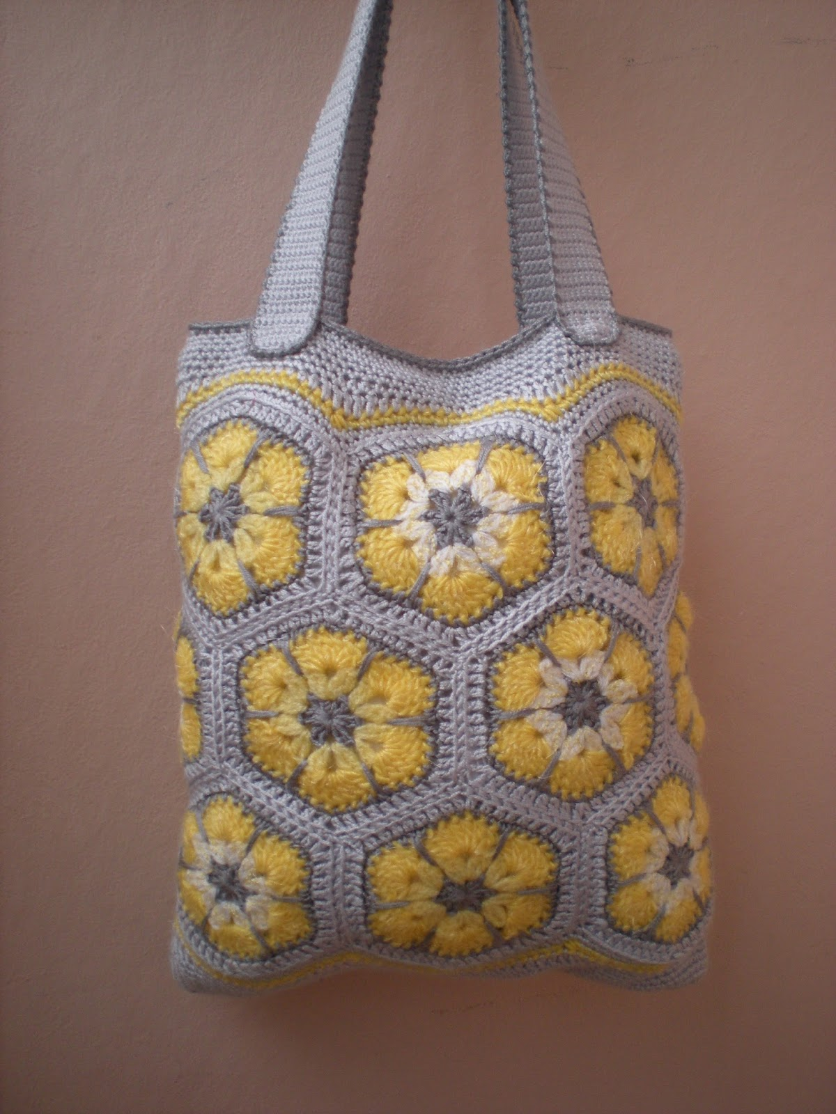 EmmHouse: Purse with yellow flowers