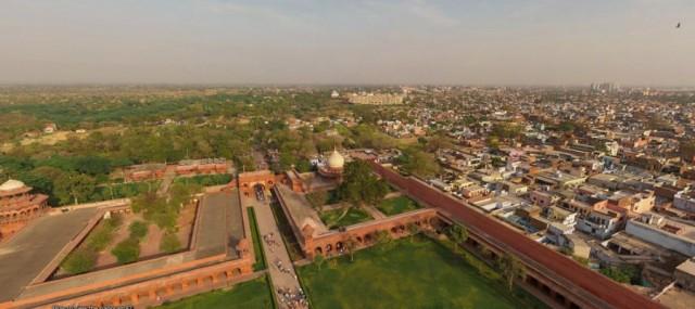 Foto-Foto Unik Taj Mahal dari Sudut Berbeda