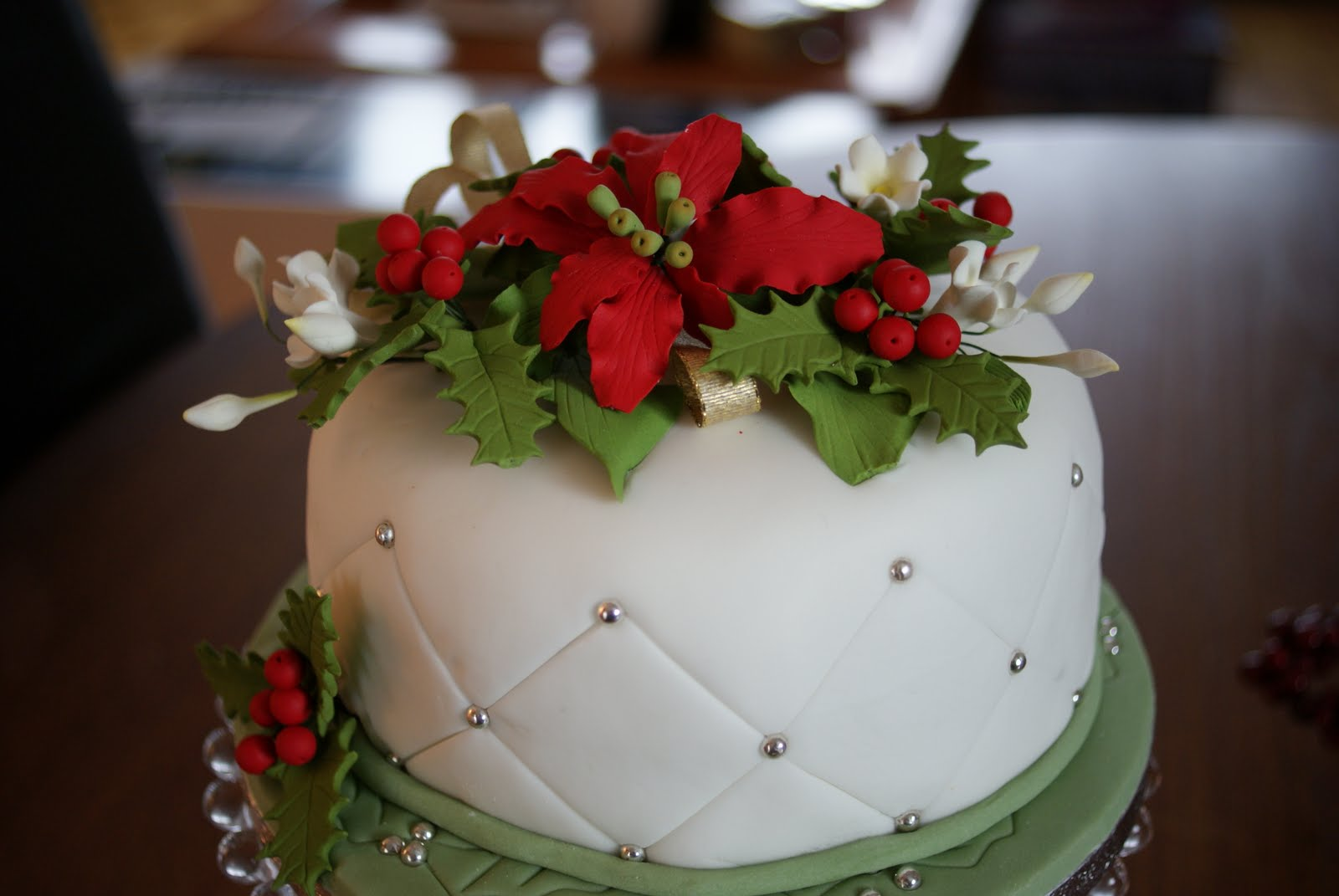 Festivals pictures christmas cakes ideas nightmare for Decoration ideas for christmas cake