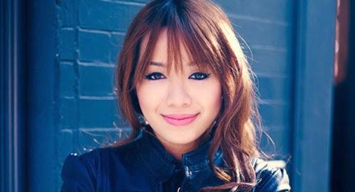 Michelle Phan không dùng sữa rửa mặt vào buổi sáng