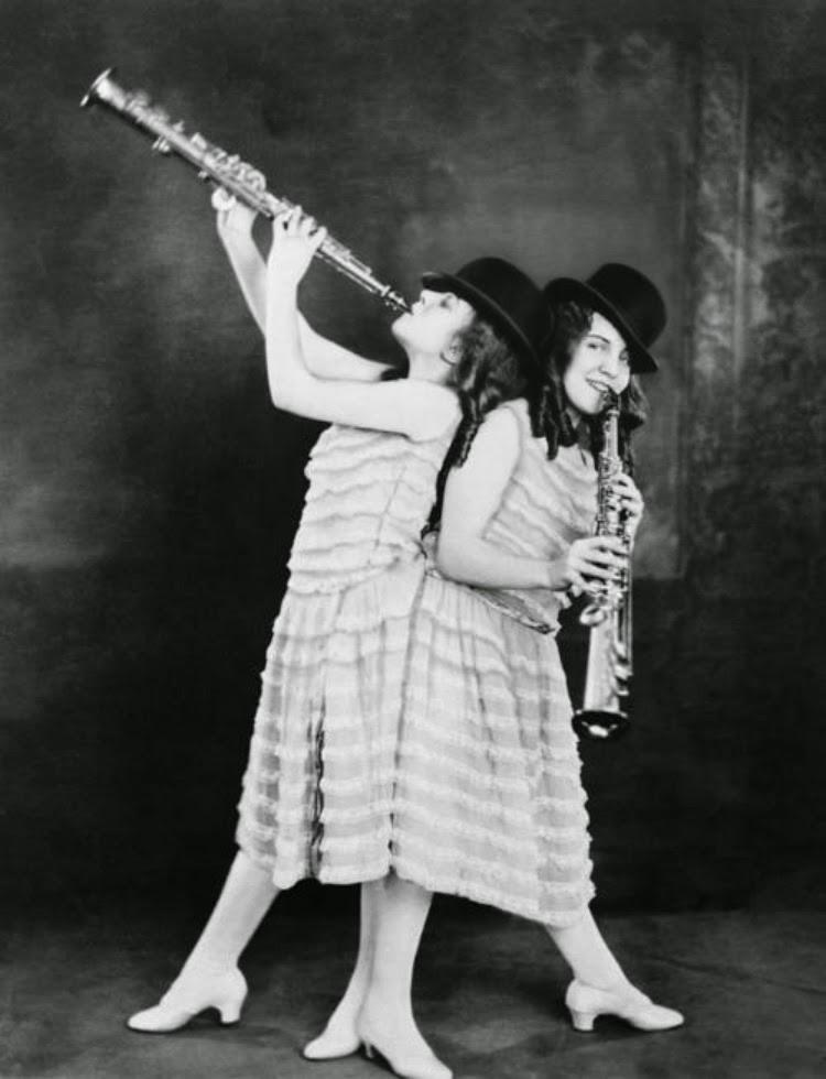 A Vintage Nerd, Vintage Documentary, Bound by Flesh Documentary, Vintage Blog, Old Hollywood Blog, Vintage Blog, Violet and Daisy Hilton