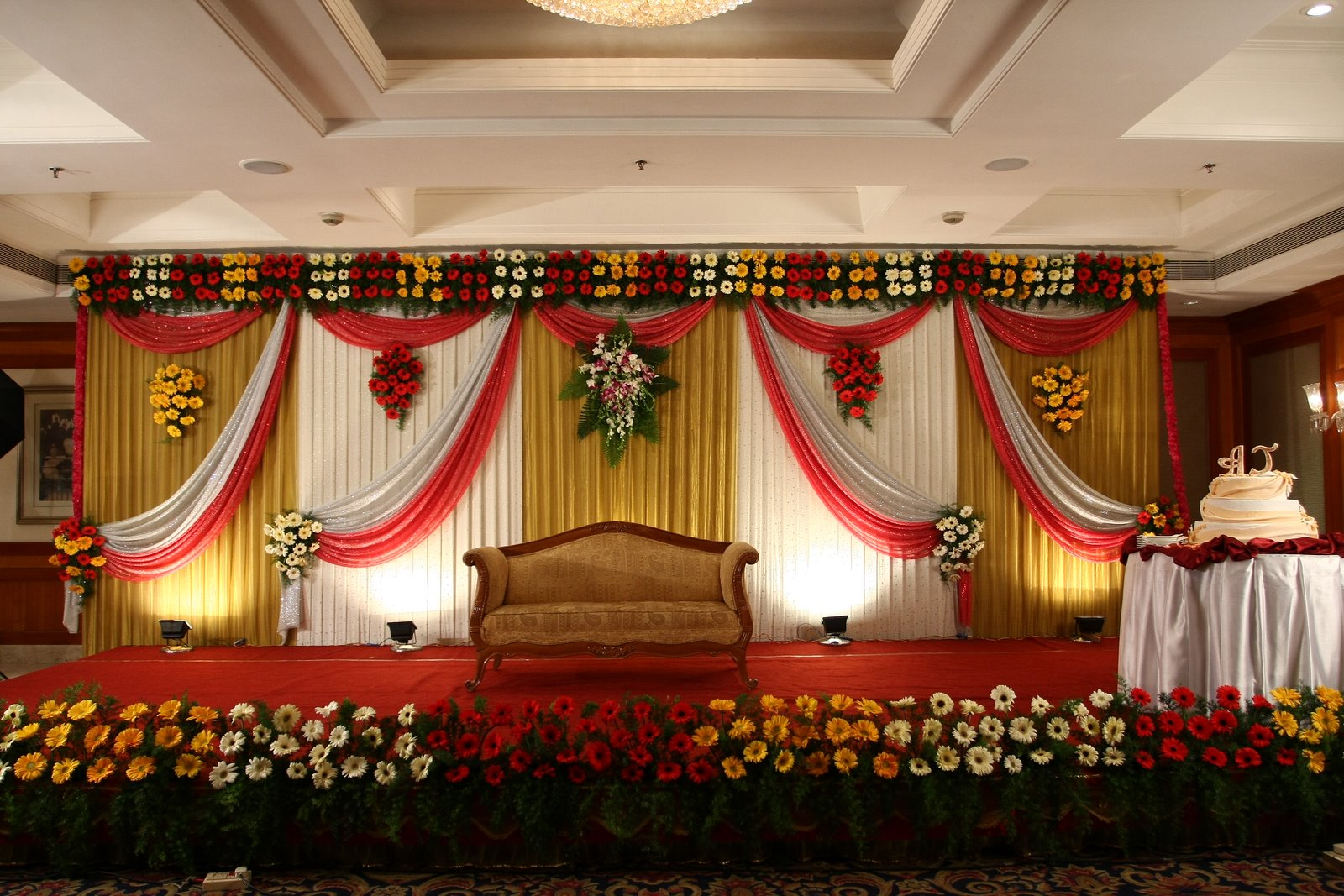 wedding stage decorations in - photo #22