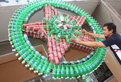 How to Recycle: Cool Recycled Christmas Lanterns
