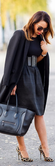 Leopard Shoe And Long Black Coat For Winter Season