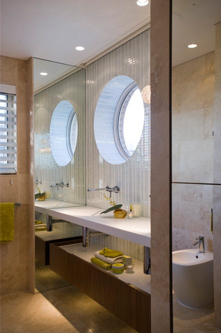 The good use of artificial light makes this parents retreat very engaging...you can set the mood to how you are feeling & Minosa: Bathrooms azcodes.com
