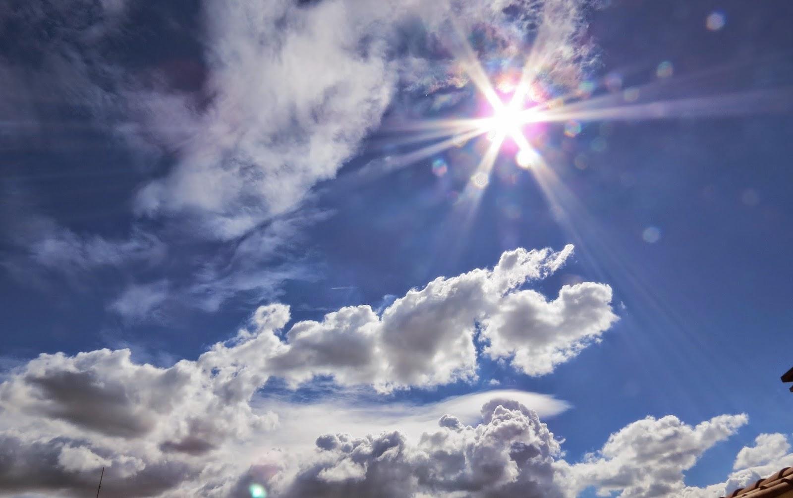 el sol camina por un mar azul, Beatriz 2012