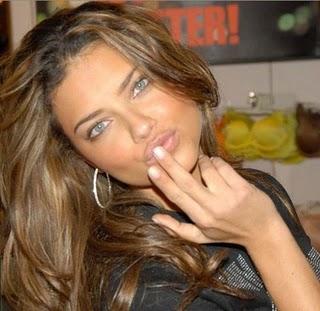 Adriana Lima es la Modelo, Mujer mas hermosa de las pasarelas ...
