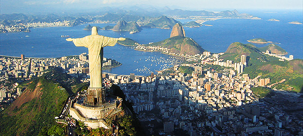 Rio de Janeiro y el Cristo Redentor al frente