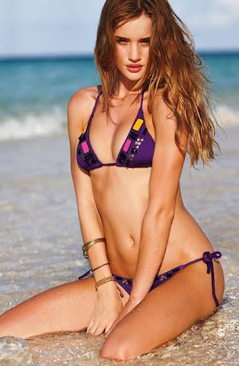 изрязани бикини - тенденция за бански лято 2011