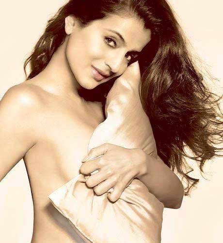 Topless bollywood Actress wallpaper