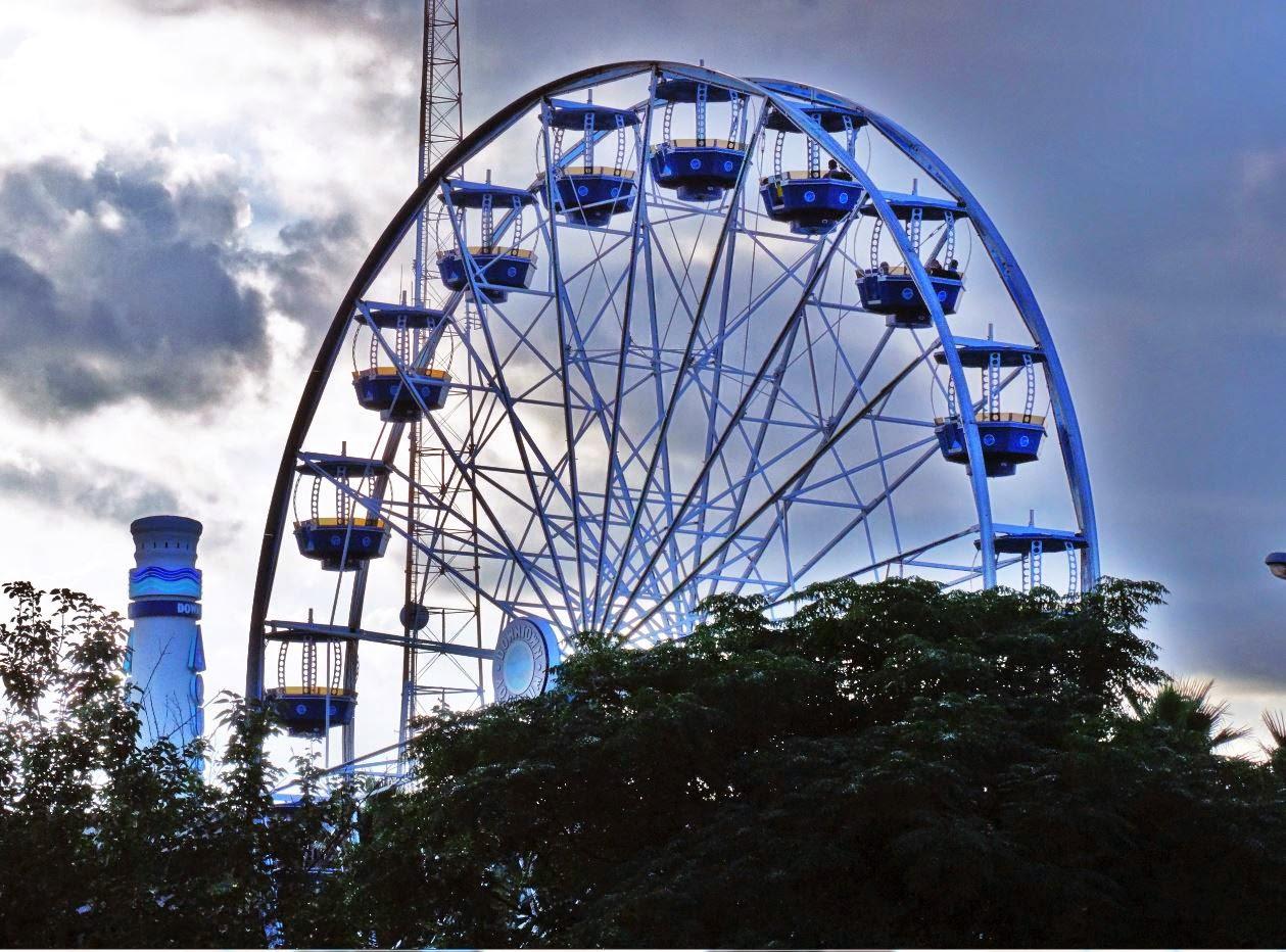 Houston In Pics Ferris Wheel At Downtown Aquarium