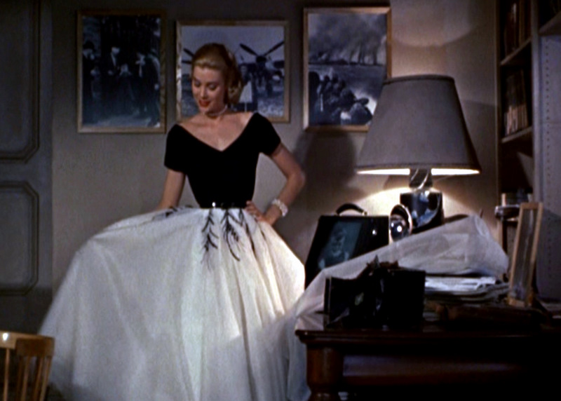 sense and simplicity grace kelly from movie star to princess