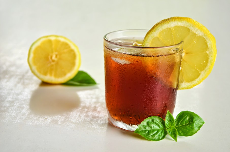 http://www.aworldinmyoven.com/2014/07/american-iced-tea-2-methods-3-steps-and.html
