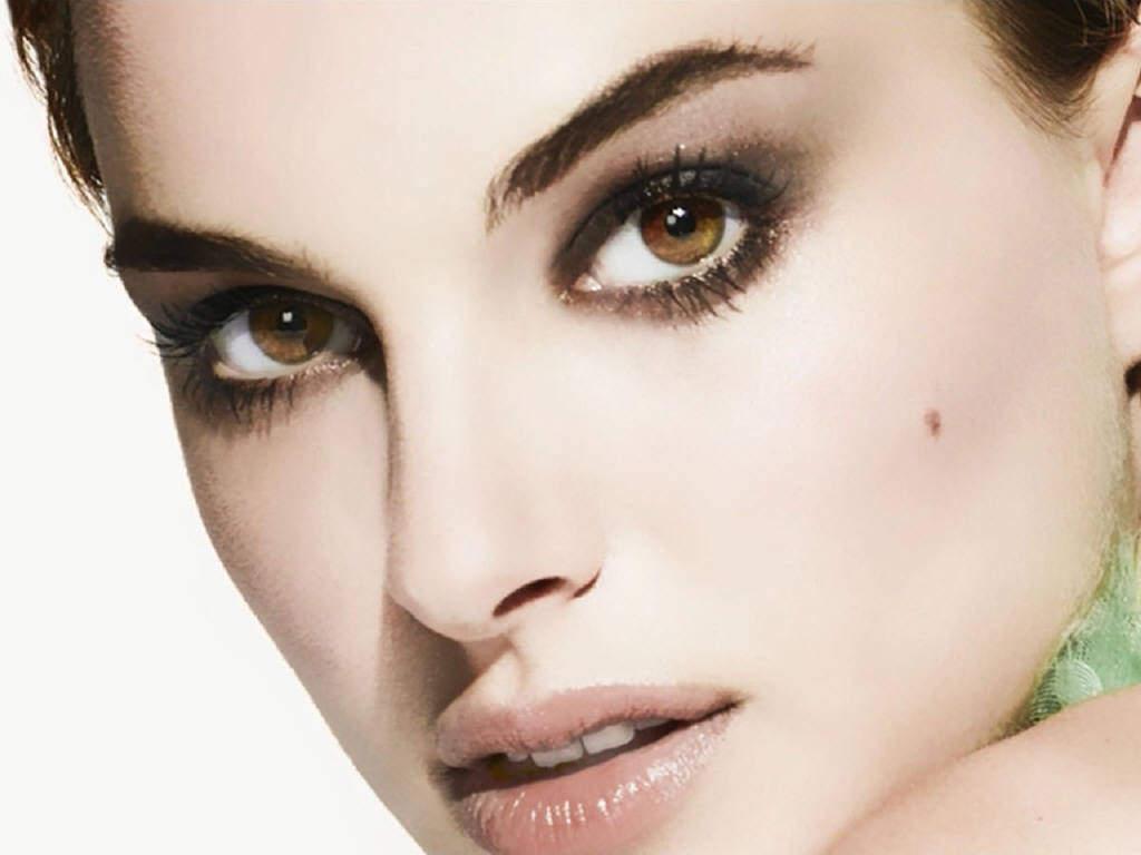 http://1.bp.blogspot.com/-m0yKgFq8S4M/UEGUHBsKvDI/AAAAAAAAG68/KnfjPSSLRKM/s1600/natalie-portman-cute-eyes.jpg