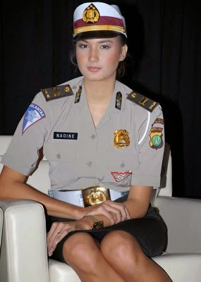 Foto Polwan Cantik Indonesia (Nadine)