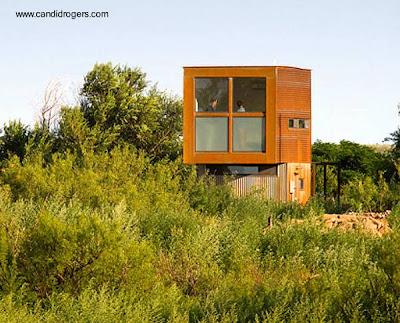Peque o retreat de bajo costo for Casa minimalista economica