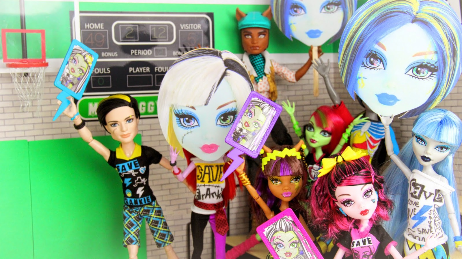 Monster High Freaky Fusion SaveFrankie Big Face Signs And DIY Tee Shirts