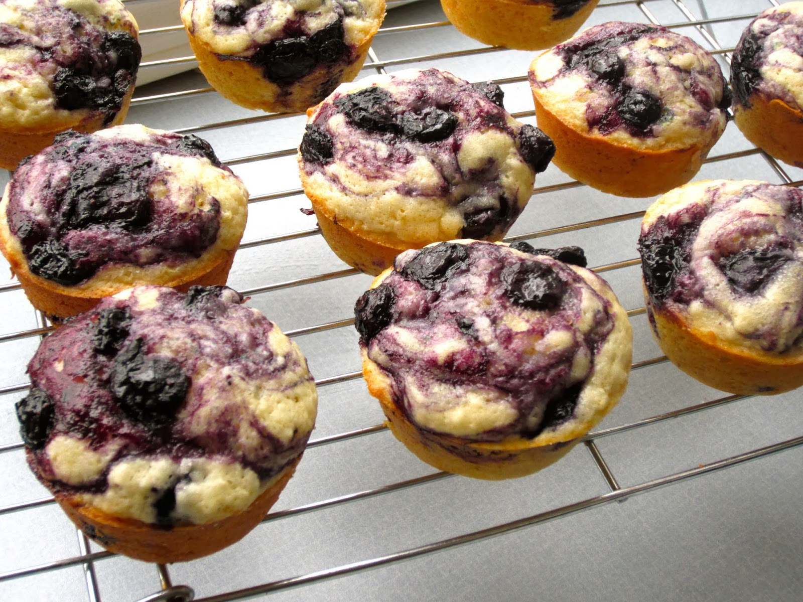 Delicious Blueberry Muffins with Blueberry Swirl