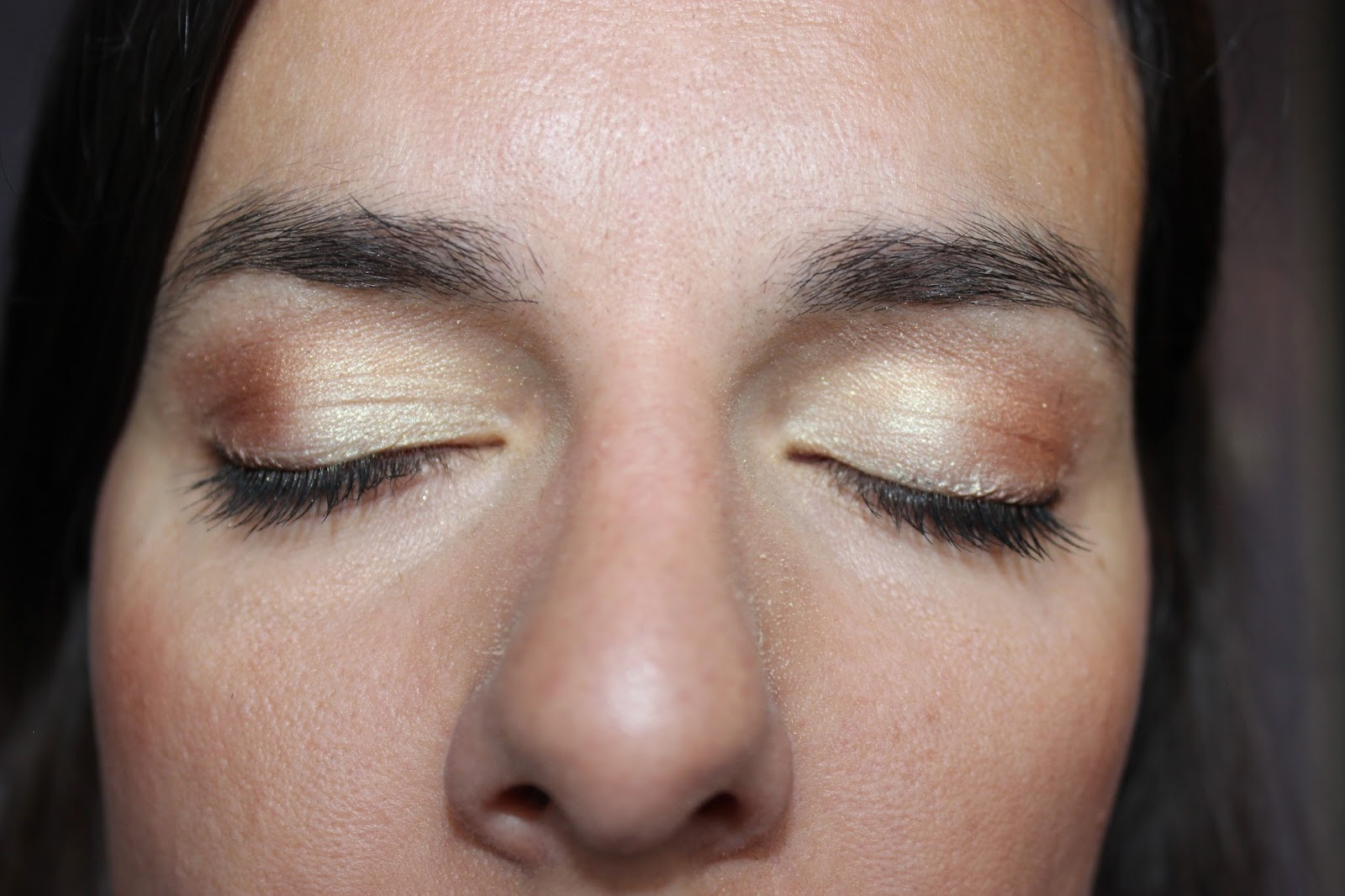 maquillage bareMinerals jaune et doré