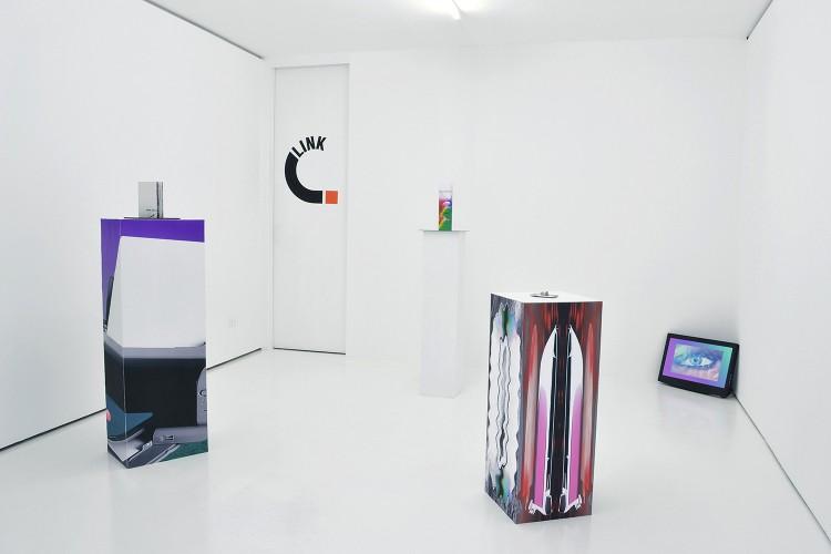 Adam Cruces in mostra all'ISR di Milano