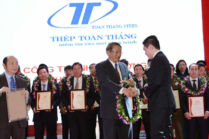 Chúc mừng Thép Toàn Thắng tiếp tục đạt top 500 DNTN lớn nhất Việt Nam - VNR500
