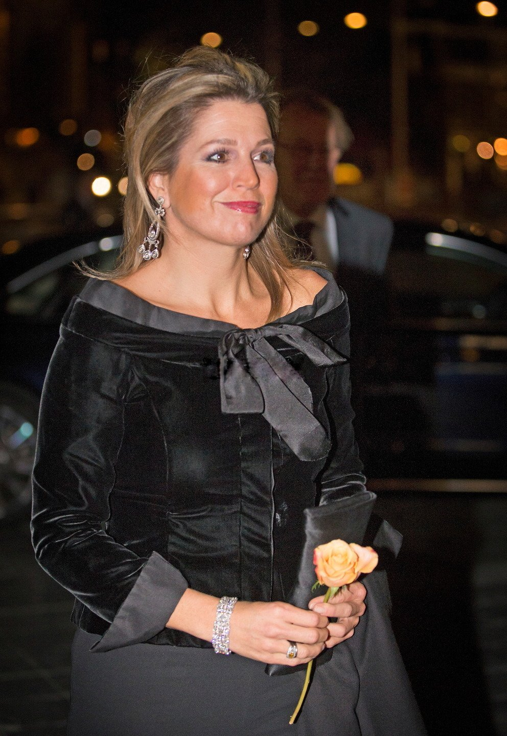 Queen Maxima Mode style Cartier White Gold Diamond Chandelier Earrings
