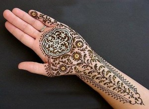 Mehndi Designs On Hips : Latest mehndi designs for eid and wedding hairstyle fashion