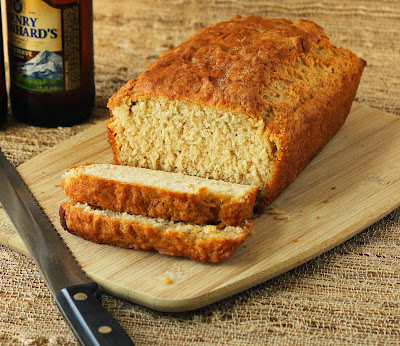 A delicious beer with bacon and cheese bread Recipe in english