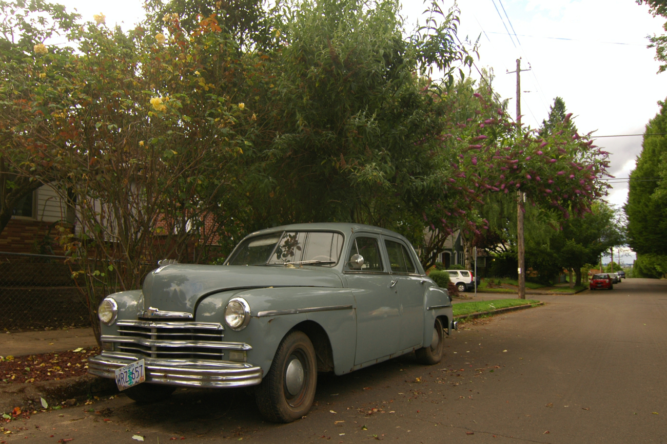 Old parked cars 1949 plymouth sedan for 1949 plymouth 4 door sedan