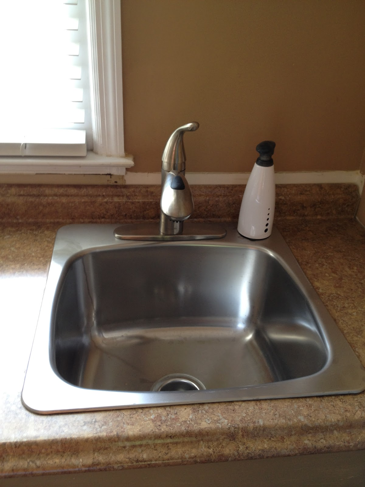 Laundry Sink Countertop : CasaLupoli: Laundry Room Update: The Sink and CounterTop