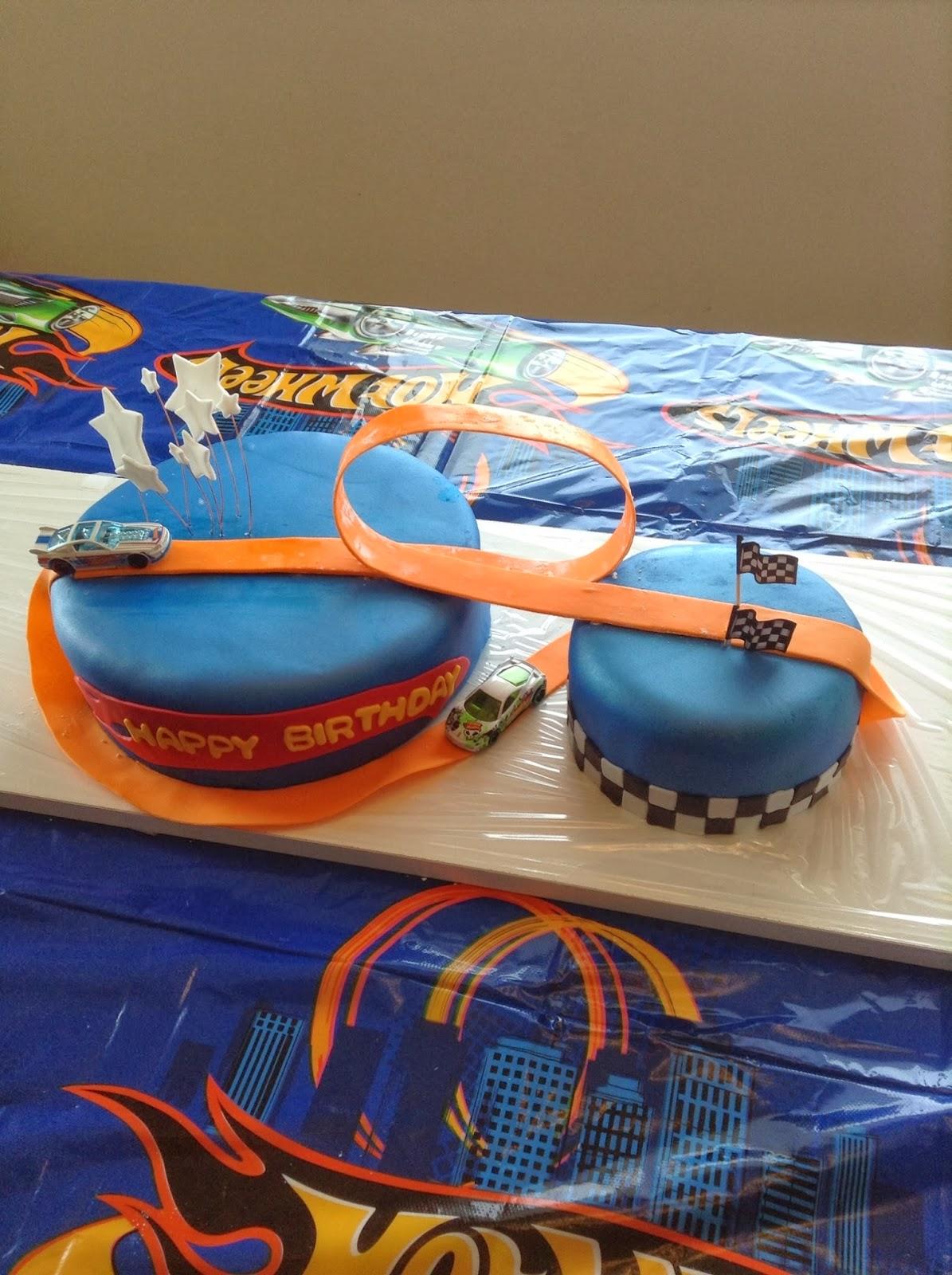 Pin torta hot wheels jmr tortas decoradas ajilbabcom for Decoracion de cuarto hot wheels