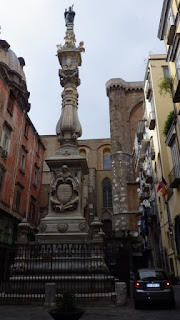 ナポリの街中