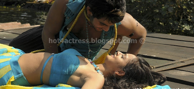 Shanvi Hot Navel Sexy Navel Kiss